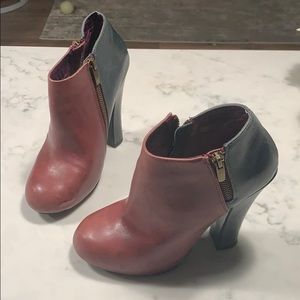 Shoemint Colorblock Zip Booties